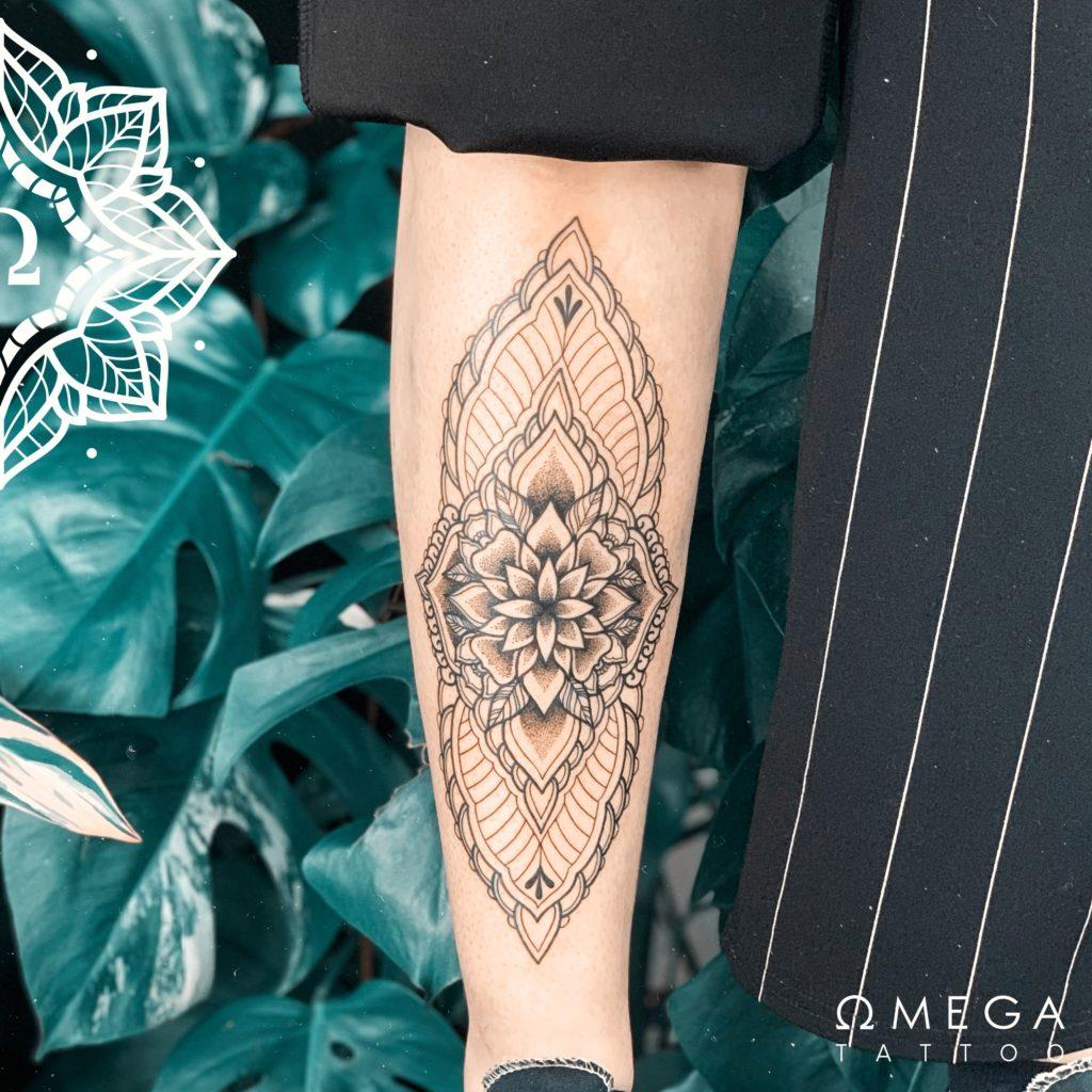 Schienbein Mandala Tattoo Stuttgart